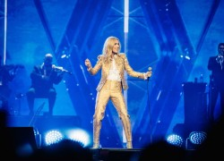 Image of Celine Dion and Frontier Touring, Concerts West and AEG Presents