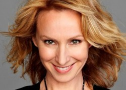 Image of Lisa McCune