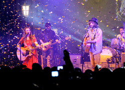 Image of Angus & Julia Stone & International Music Concepts