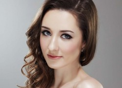 Image of Claire Lyon