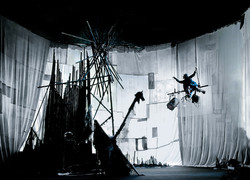 Image of La Compagnie du Hanneton presented by Perth International Arts Festival