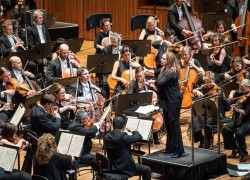 Image of Sydney Symphony Orchestra and Simone Young